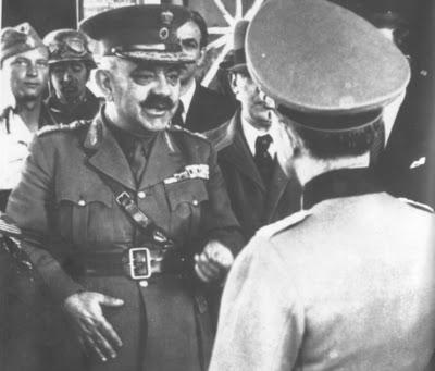 Ο στρατηγός Χρ. Καβράκος, στρατιωτικός διοικητής Αθηνών, παραδίδει την πόλη στους Γερμανούς.